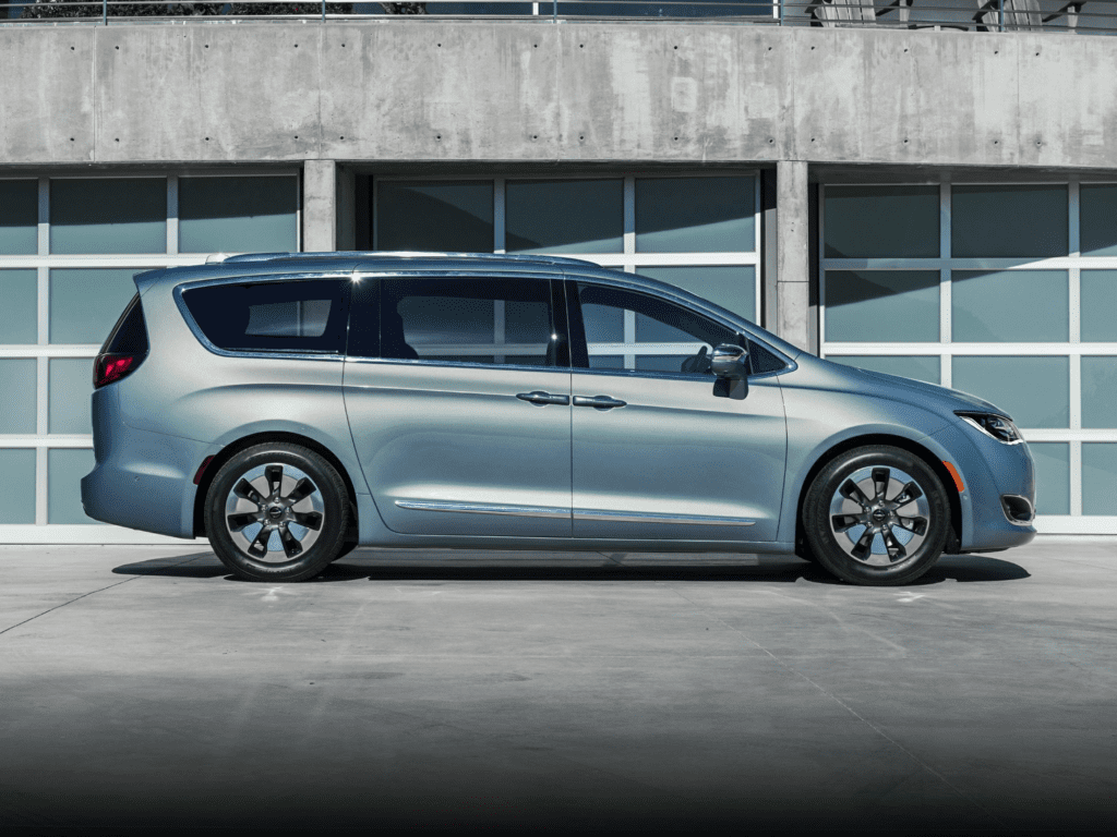 2020 Chrysler Pacifica Hybrid Limited Front-wheel Drive Passenger Van Lease